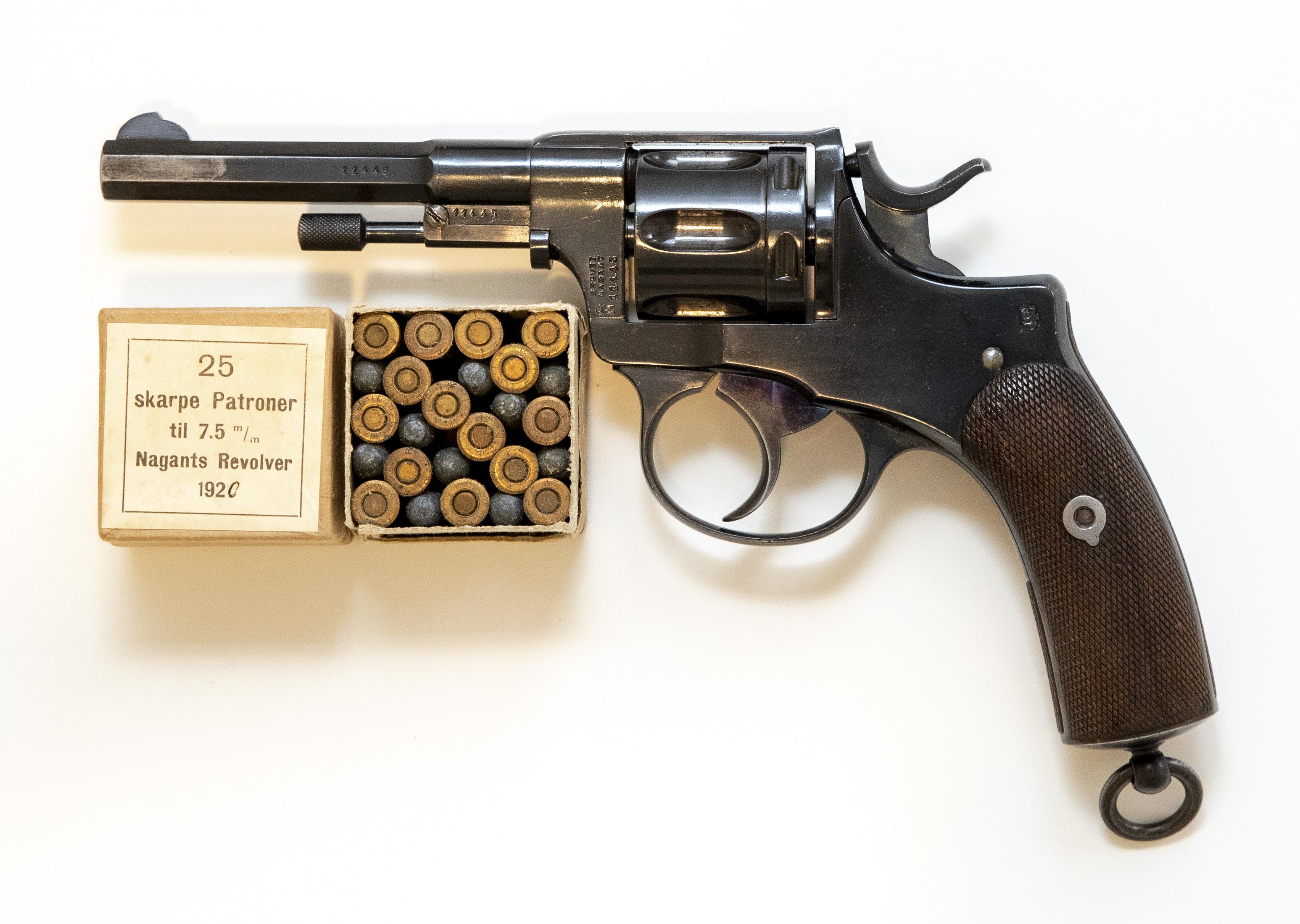 Revolver - M1893 Nagant - Sentertenning